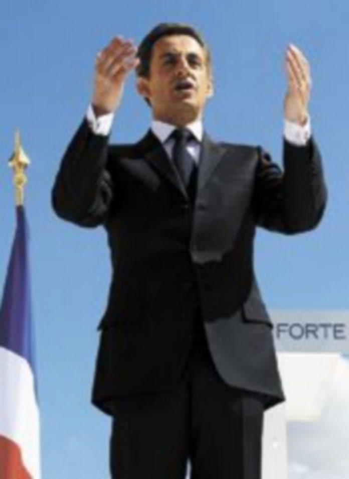 El presidente francés busca un acercamiento con el Frente Nacional. / Reuters.