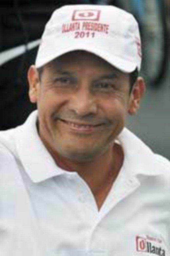 Los sondeos de opinión dan una leve ventaja a Ollanta Humala. / P. Aguilar (Efe).