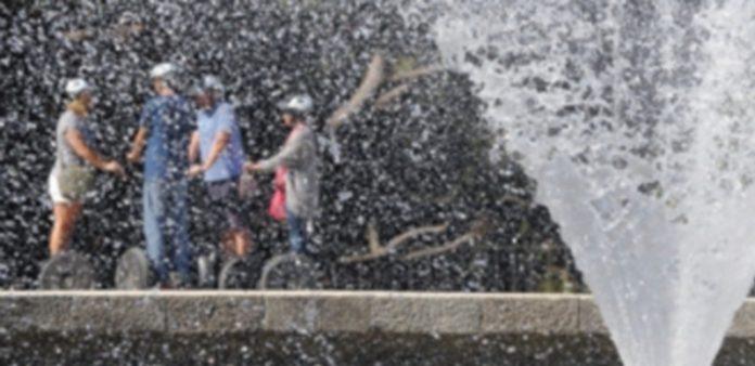 Las altas temperaturas registradas estos días han 'instalado' el verano en España en la mitad del mes de mayo. / EFE