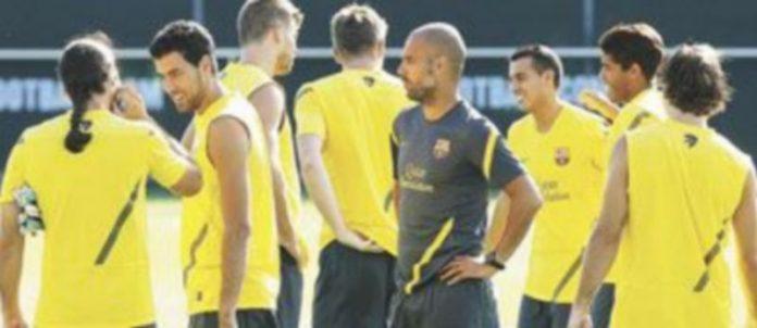 Es difícil encontrar a tantos efectivos en los entrenamientos del Barça desde el pasado lunes. / ANDREU DALMAU (Efe)