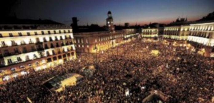 Las autoridades madrileñas no dieron cifras sobre el número de participantes. Los organizadores lo calcularon en más de medio millón de personas. / Susana Vera (Efe)