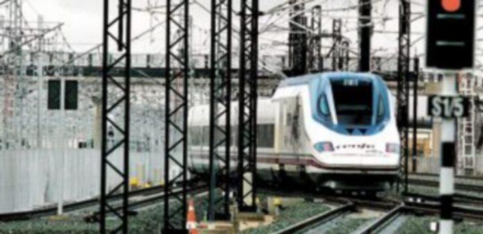 La compañía ferroviaria presentará un recurso contra los expedientes sancionadores abiertos por Cataluña. / Arturo Pérez