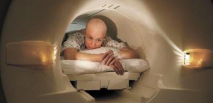 Muchas de las pruebas se realizan a través de resonancias magnéticas. / Jim Bourg (Reuters)