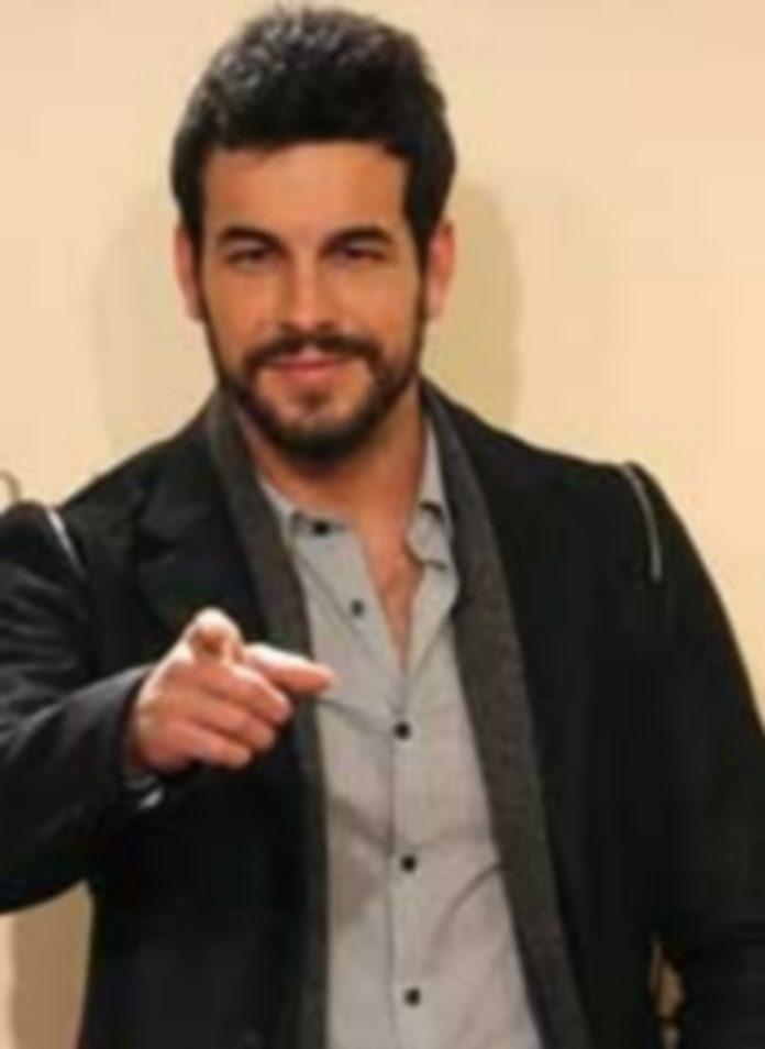Mario Casas trabajó con Blanca Suárez y De la Iglesia en 'Mi gran noche'. / Efe