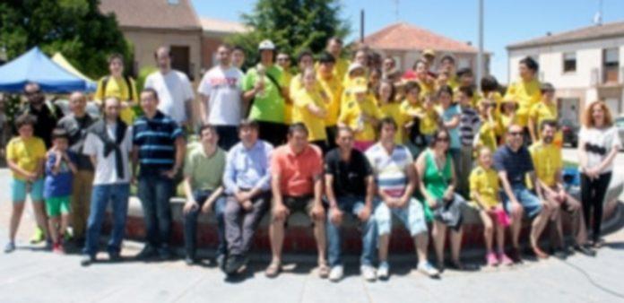 Foto de familia de los participantes en el Trofeo Sinodal de Aguilafuente. / El Adelantado