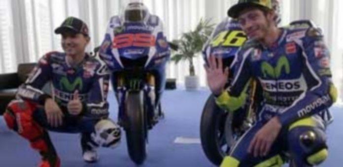 Jorge Lorenzo (izq) y Valentino Rossi