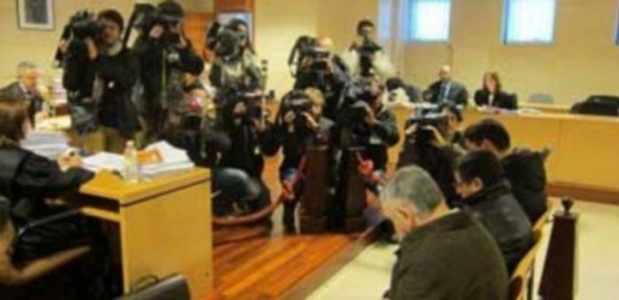 Los acusados por el robo del Códice durante una de las sesiones judiciales. / E.P.