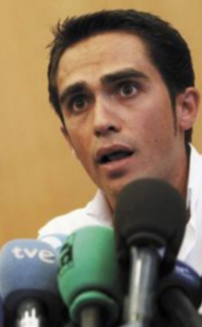 Alberto Contador recalcó que la Unión Ciclista Internacional ha aceptado sus explicaciones. / Reuters
