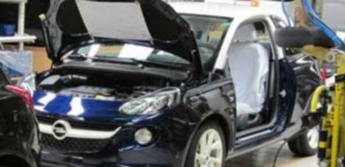 Los fabricantes de vehículos cerraron marzo con un saldo positivo de 4.525 millones de euros. / Europa Press