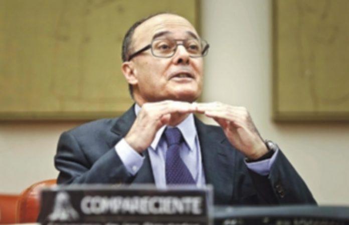 Luis María Linde asegura manejar cifras cercanas al 3