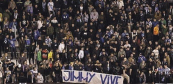 El trágico indicente conmocionó a los seguidores de ambos equipos de fútbol. / Efe