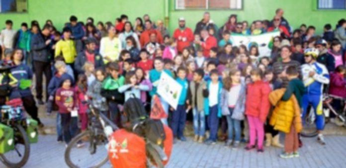 La marcha hizo una parada en el colegio de San Rafael