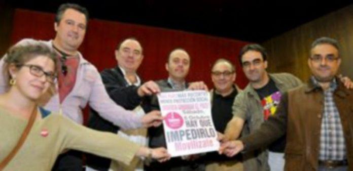 Representantes de la Plataforma Unitaria contra la Crisis-Cumbre Social que convoca la manifestación. / Alberto Benavente