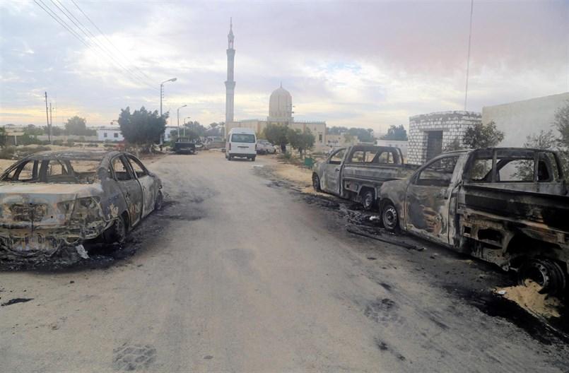 atentado contra una mezquita sufí en Bir al Abd (Egipto)