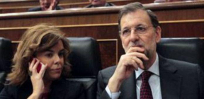 Soraya Sáenz de Santamaría y Mariano Rajoy hoy durante el pleno en el Congreso./ EUROPA PRESS