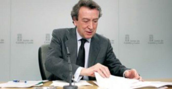 José Antonio de Santiago-Juárez informa en rueda de prensa de los acuerdos del Consejo de Gobierno. / Leticia Pérez (Ical)