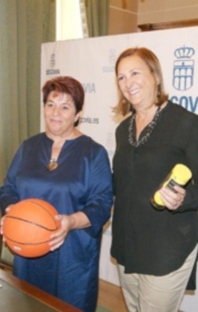 La alcadesa Clara Luquero y la concejala de Deportes