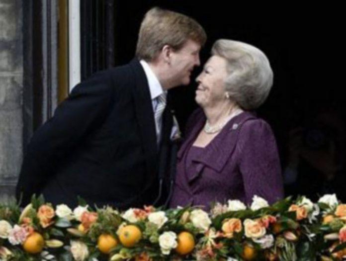 La ahora Princesa de Países Bajos anuncia al nuevo Rey