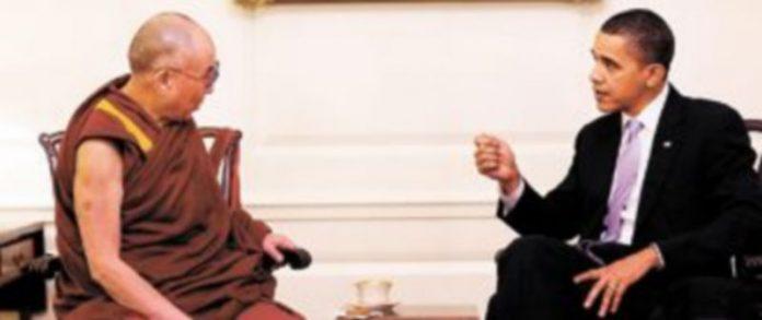 Barack Obama conversa con el líder espiritual tibetano