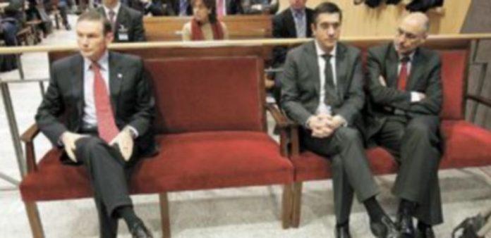 Juan José Ibarretxe y Patxi López mostraron sus diferencias durante el juicio por las reuniones con dirigentes de Batasuna en 2006. / Efe