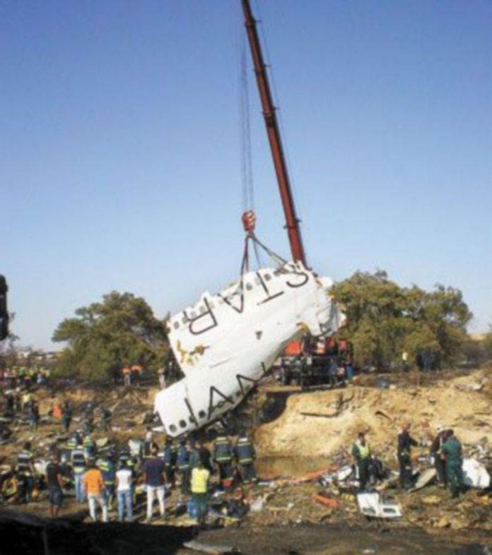 El accidente del avión de Spanair del pasado agosto conmocionó a la sociedad española. / EFE