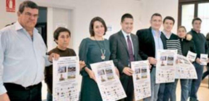 Momento previo al acto de presentación de las Carreras Pedestres 'Barrios Incorporados'. / Kamarero