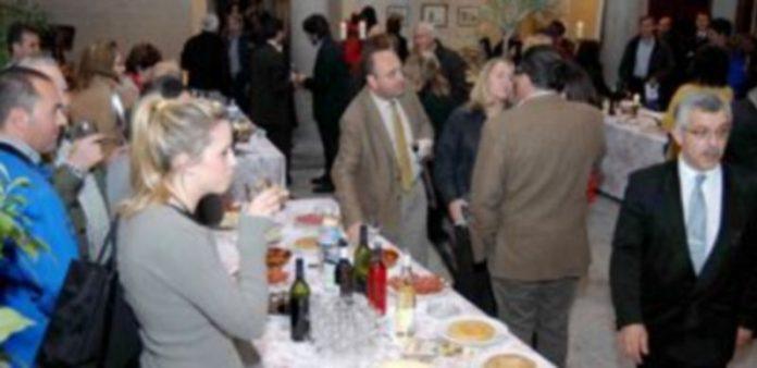 Imagen de una de las ediciones pasadas de la Degustación Solidaria de AMREF y Fundación Duque