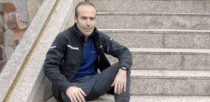 El deportista Raúl García Castán ha dado el salto a la literatura con el libro 'Con los pies en la sierra: Diario de un corredor de montaña'