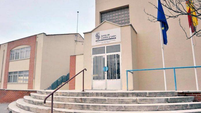 El instituto de Carbonero ha sido reconocido por su programa 'Aprendiendo a querer'. / kamarero