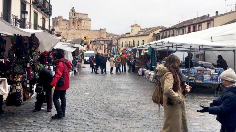 El intenso frío no resta asistencia  a la tradicional Feria de San Andrés