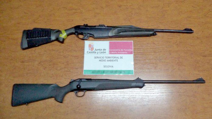 Armas incautadas a los dos cazadores infractores. / el adelantado