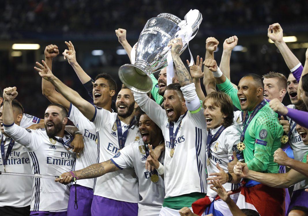 El Real Madrid se convirtió en el primer equipo que gana la Liga de Campeones en dos años consecutivos.