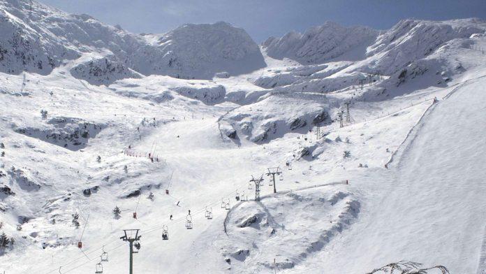 Vista de pistas de esquí.