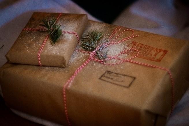 La mitad de los españoles mantiene la tradición de dar los regalos en Reyes.