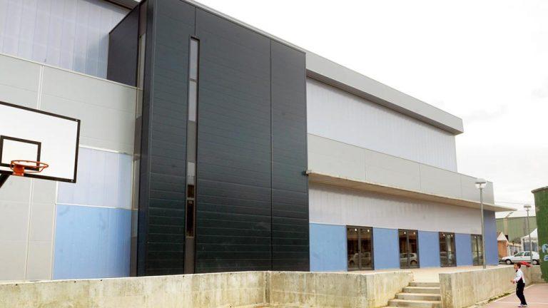 El alcalde de Nava confía en tener acabado el nuevo pabellón en 2018