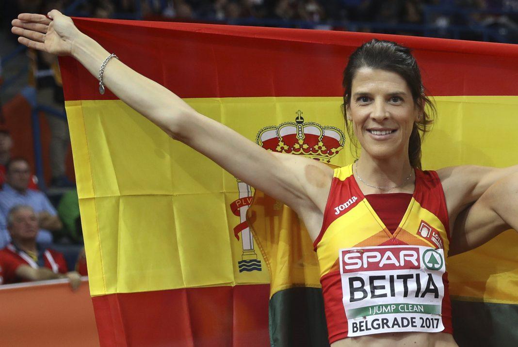 Ruth Beitia, tras ganar la plata en los Europeos de pista cubierta en Belgrado.