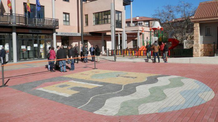 La plaza nueva junto al Ayuntamiento ha sido uno de los proyectos más importantes de 2017. / el adelantado