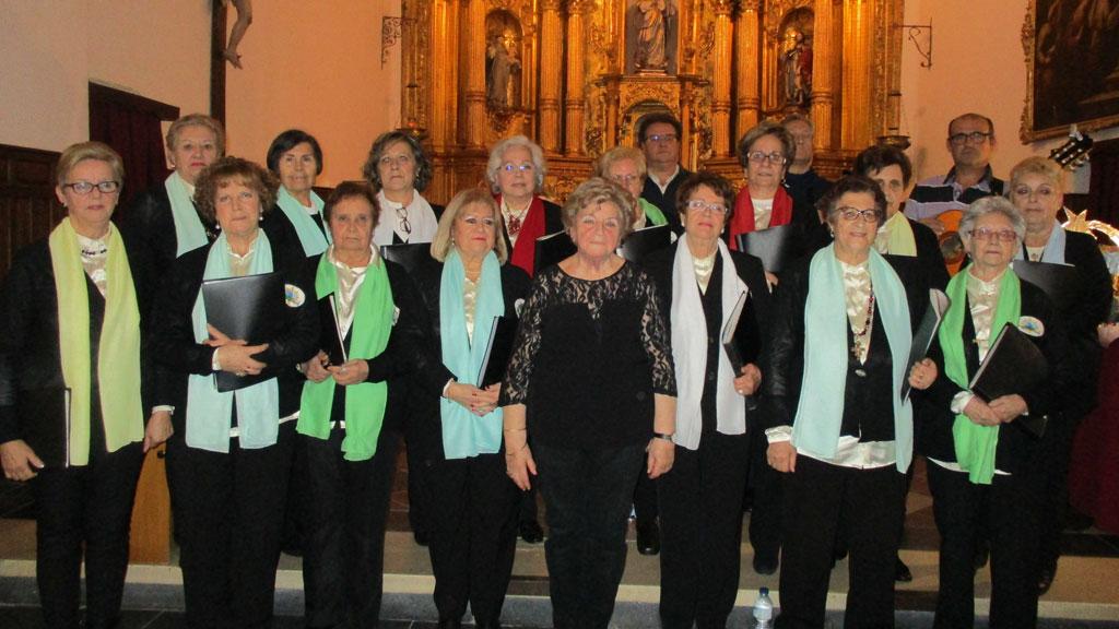 Un momento de la actuación de la coral de La Losa en la iglesia parroquial. / L.M.