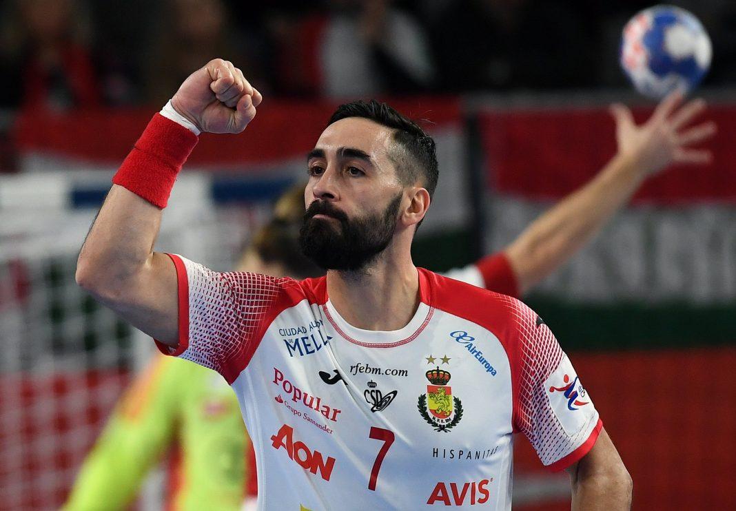 Valero Rivera, de nuevo uno de los jugadores más resolutivos de España, celebra uno de los goles en el triunfo ante Hungría.