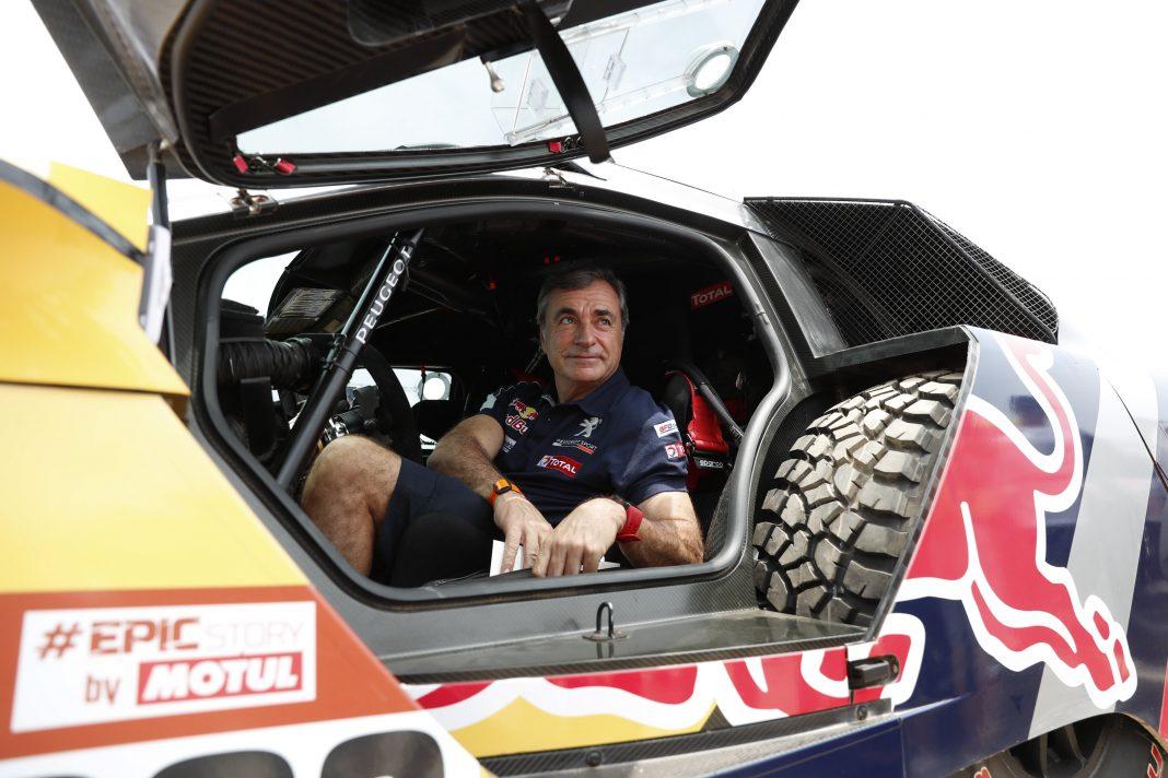 Carlos Sainz, ganador del Dakar en 2010, volverá a ponerse al volante de un Peugeot 3008 Maxi en busca del triunfo.