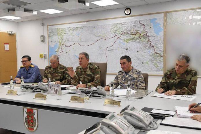 Comandantes de las Fuerzas Armadas turcas se reunieron ayer sábado para hacer una evaluación. / EFE