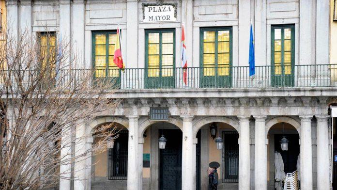 Ayuntamiento-Segovia-Fachada_KAM6750