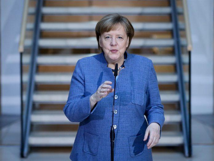 Angela Merkel asegura que ha tenido que realizar concesiones para lograr formar un gobierno de coalición.