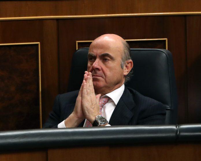 """Luis de Guindos calificó de """"informal"""" la reunión de la Comisión de Economía de la Eurocámara en la que participó."""