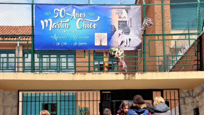11-1kama_Colegio-Martin-Chico-50-Aniversario-Flores-Fallecimiento_KAM8622