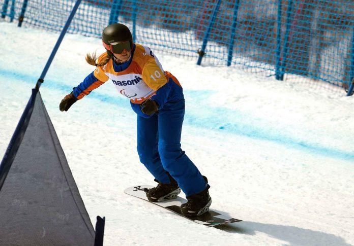 Astrid Fina logró el primer metal español en snowboard cross.