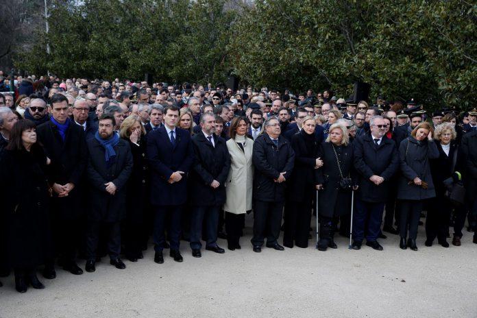 Acto organizado por la Asociación Víctimas del Terrorismo con motivo del aniversario de los atentados del 11M en el Bosque del Recuerdo del Parque del Retiro.