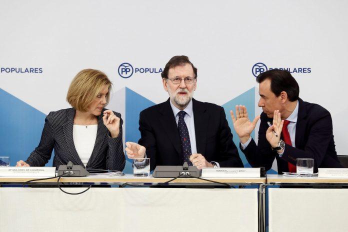 María Dolores de Cospedal, Mariano Rajoy (c) y Fernando Martínez-Maillo en el Comité Ejecutivo Nacional del PP.