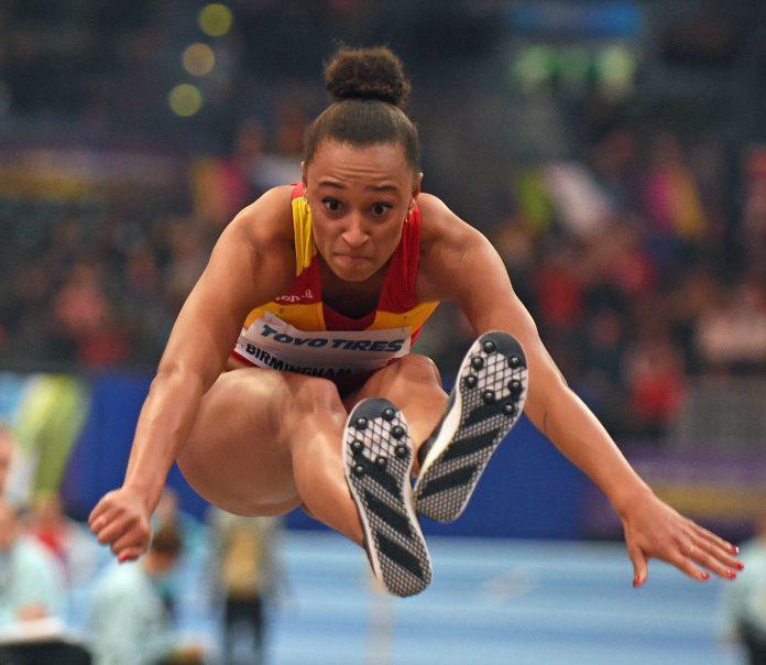 Ana Peleteiro consiguió alzarse con la presea gracias a un salto de 14,40 metros, el registro más brillante de toda su carrera profesional.