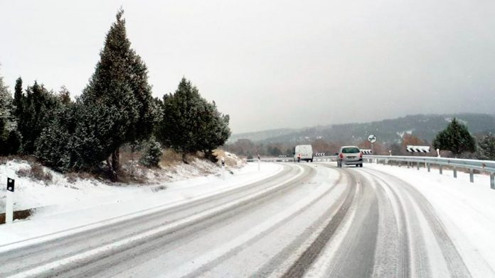 nieve-carretera-N110-pradena